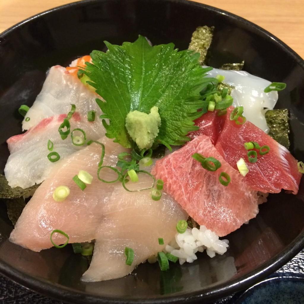 朝次郎の海鮮丼